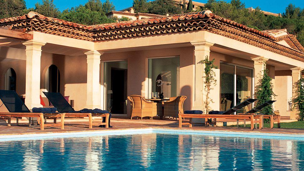 007899-10-exterior-pool