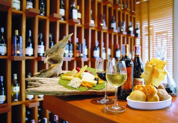 Dining_Cellar-bar_Sarojin_Khaolak_Thailand_lr