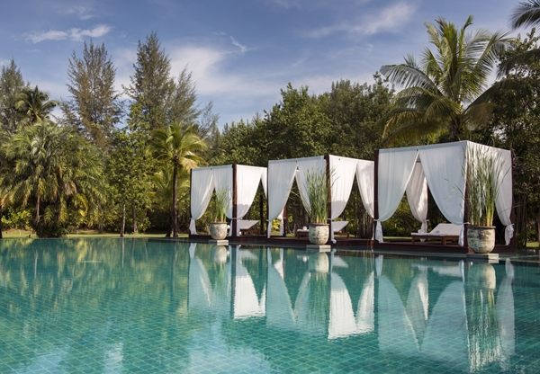 Hotel_Swimming-Pool-2_Sarojin_Khaolak_Thailand_lr