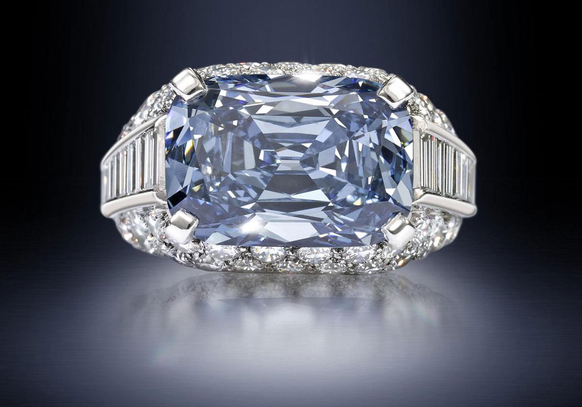 Deep blue diamond