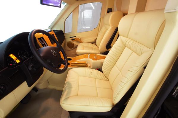 Mercedes-Benz-B6-Sprinter-by-Lexani-Motor