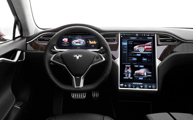 2014-Tesla-Model-S-interior