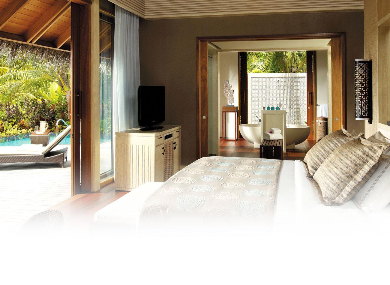 Shangi-la-Beach-Villa-Bedroom