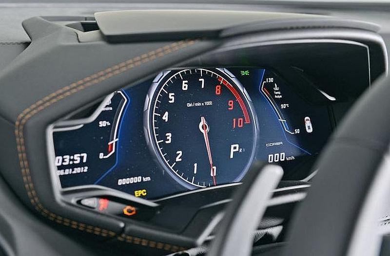 Lamborghini_Huracan dash