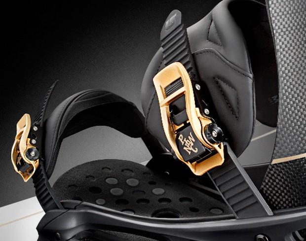 Pirelli-Pzero-x-Burton-Limited-Edition-Snowboard 1