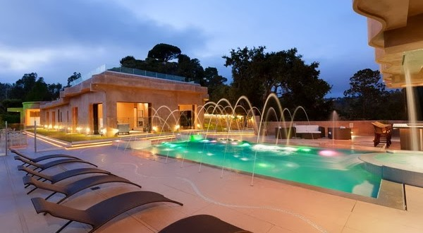 rihanna-home-celebrity-homes-villa-mansion