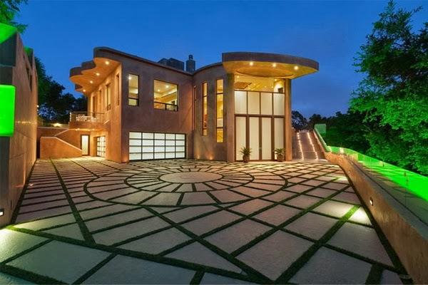 rihanna-home-celebrity-homes-villa-mansion1