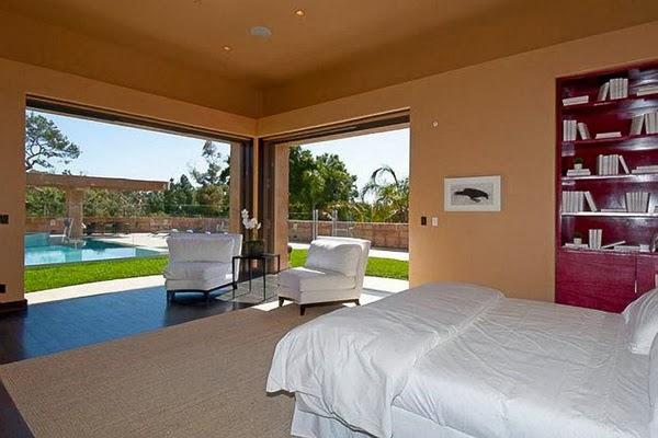 rihanna-home-celebrity-homes-villa-mansion2