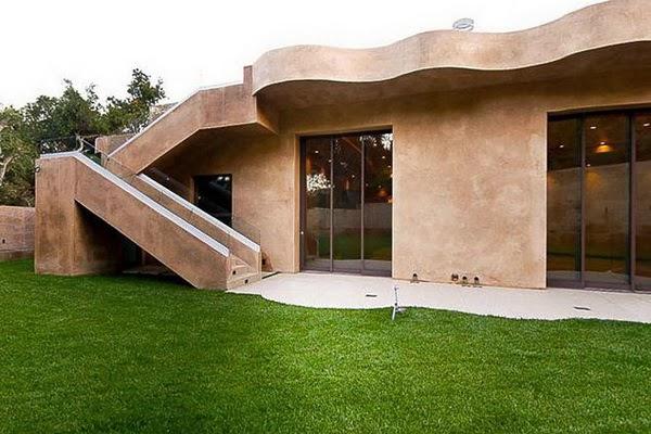 rihanna-home-celebrity-homes-villa-mansion4