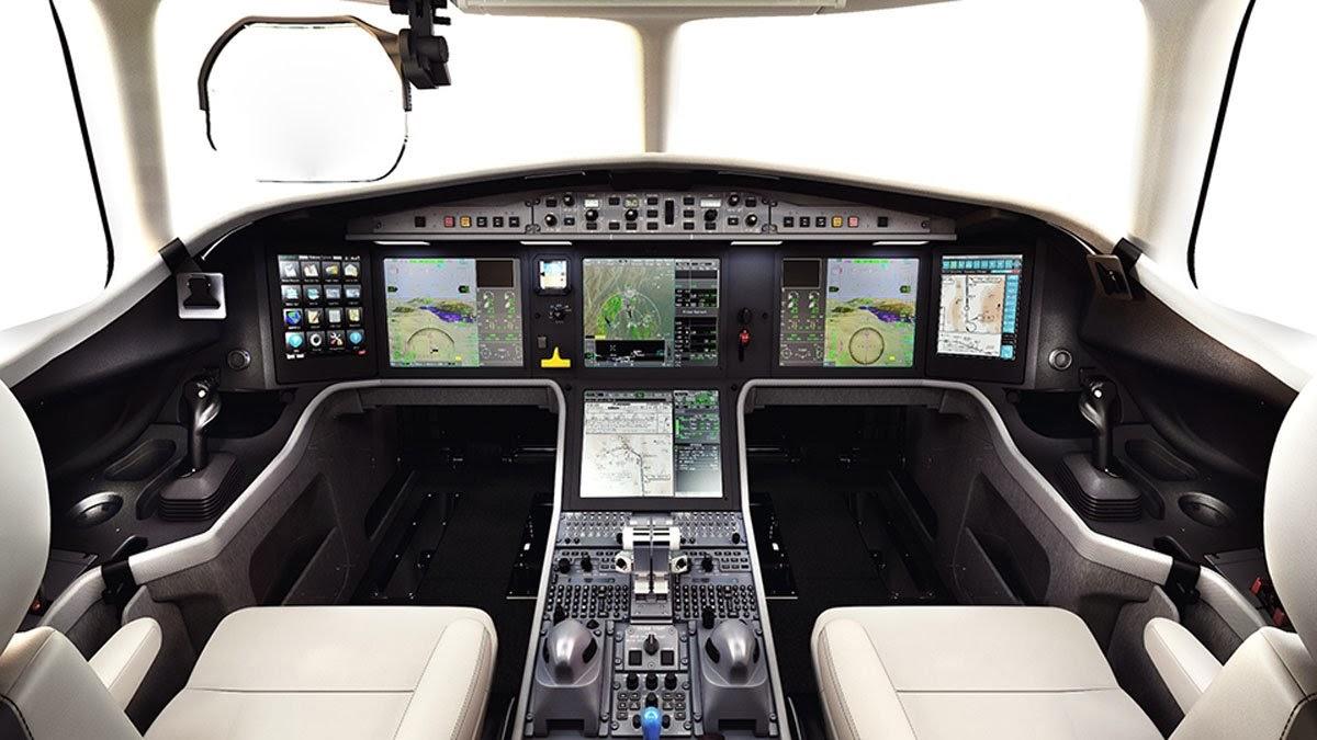 Falcon 5X Private Jet 11