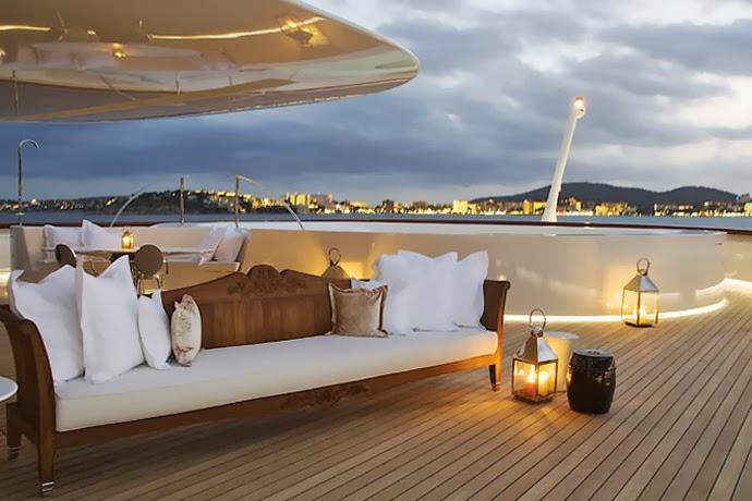 Motor Yacht 'A'_2