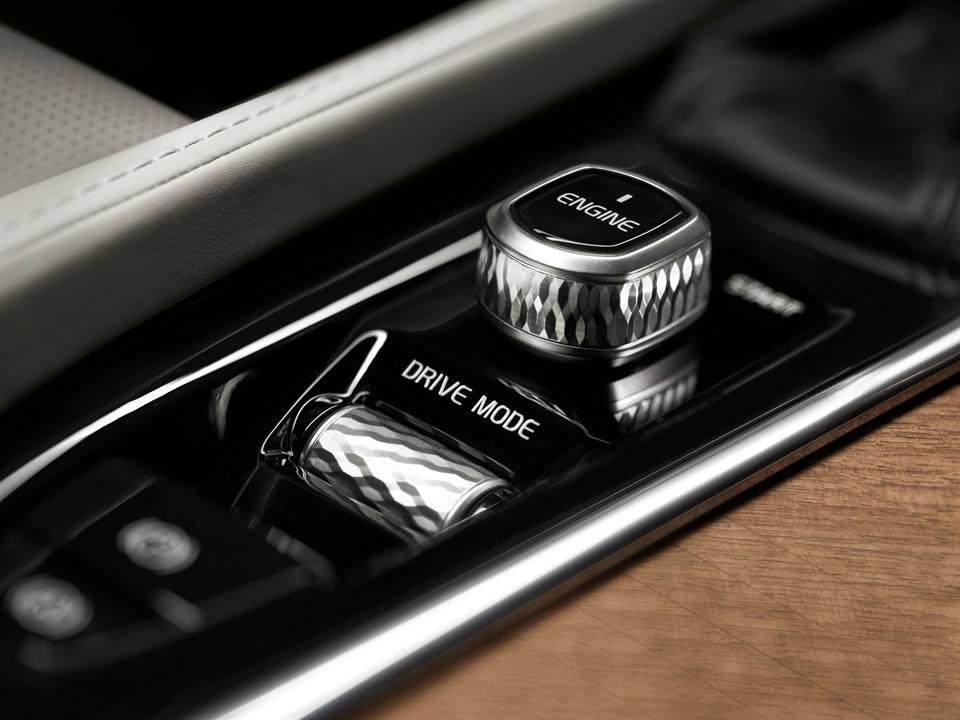 Luxury Volvo XC 90_6