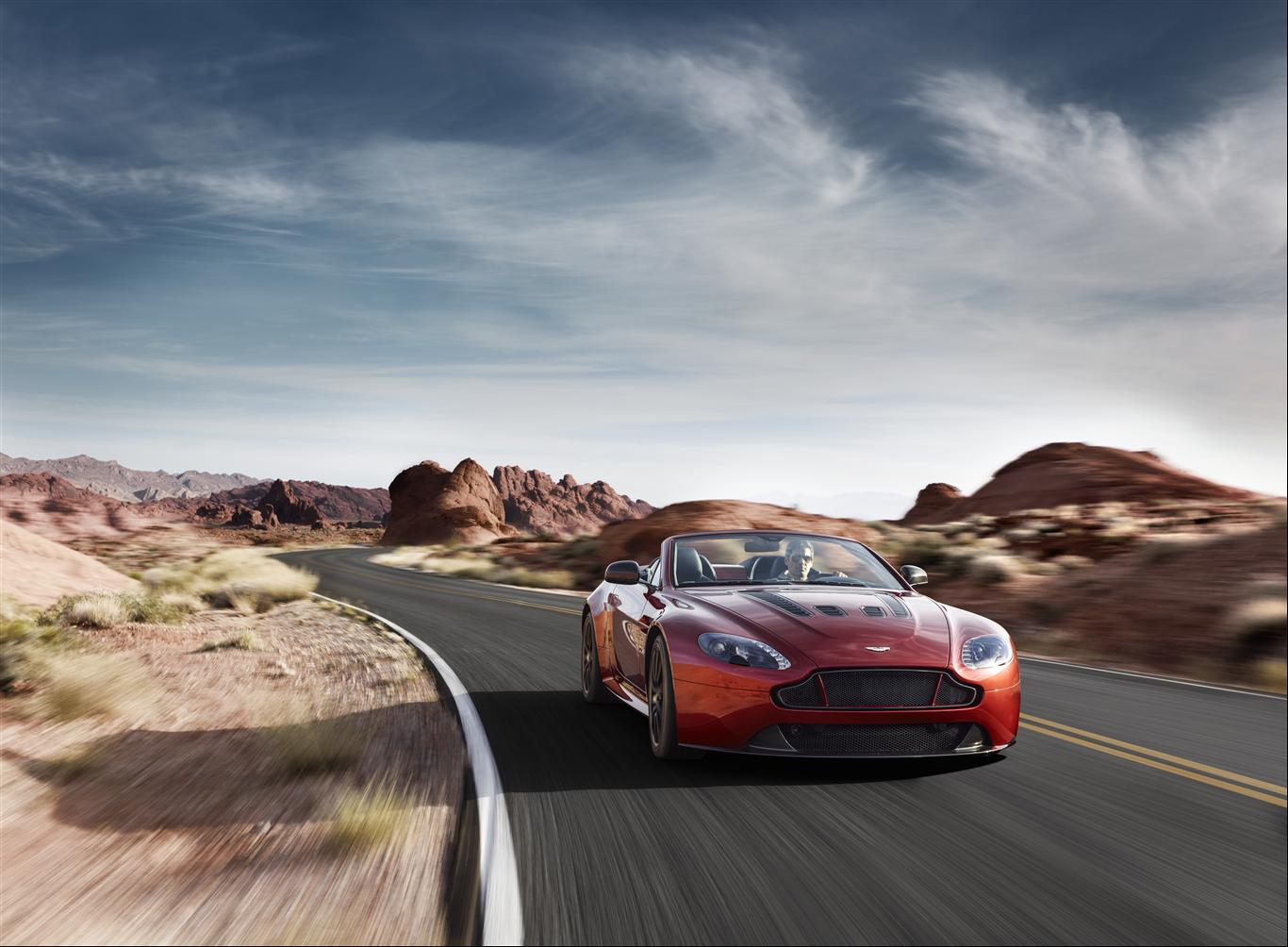 Aston Martin V12 Vantage S Roadster 2015 - 1