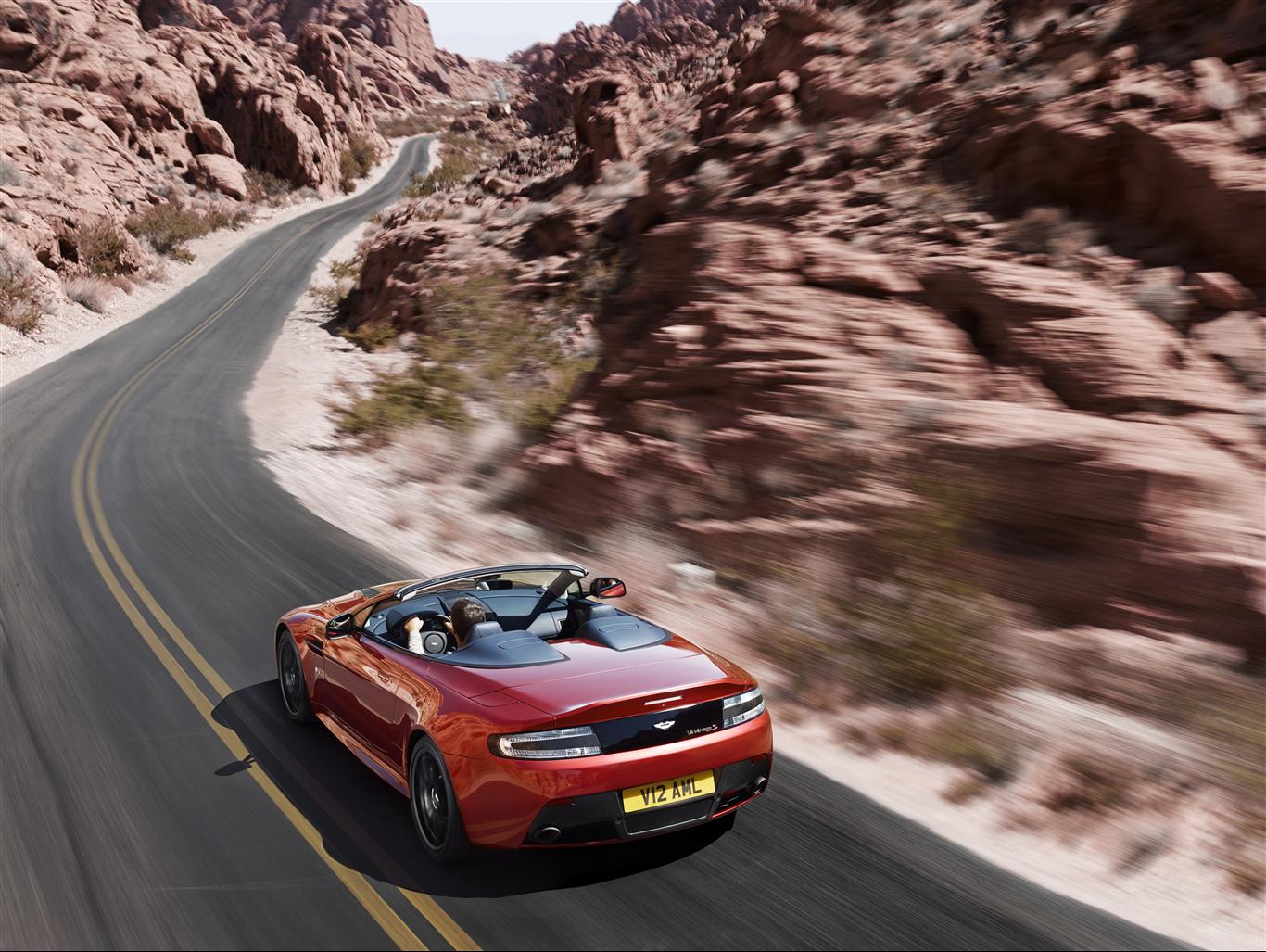Aston Martin V12 Vantage S Roadster 2015 - 7