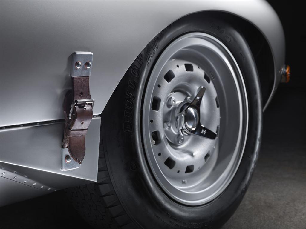 Jaguar Lightweight E-type 3
