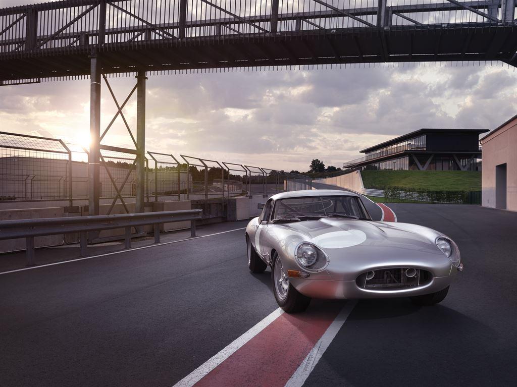 Jaguar Lightweight E-type 4