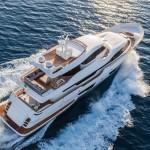 Luxusní jachta Ferretti Navetta 28