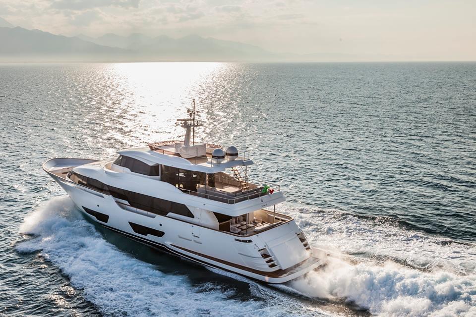 Luxusni jachta Ferretti Navetta 28