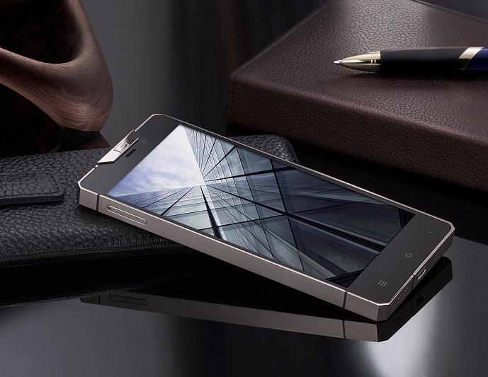 Luxusni telefon Gresso Regal R1