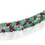 Luxusní šperky za více než 900 miliónů korun