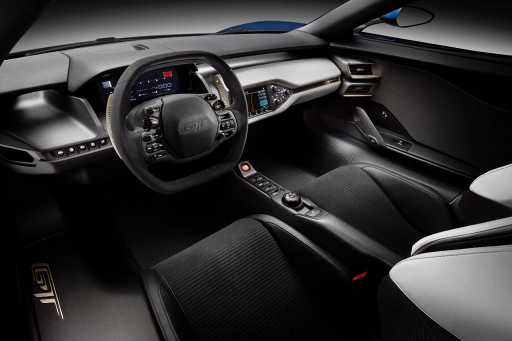 Novy Ford GT 2016 interier