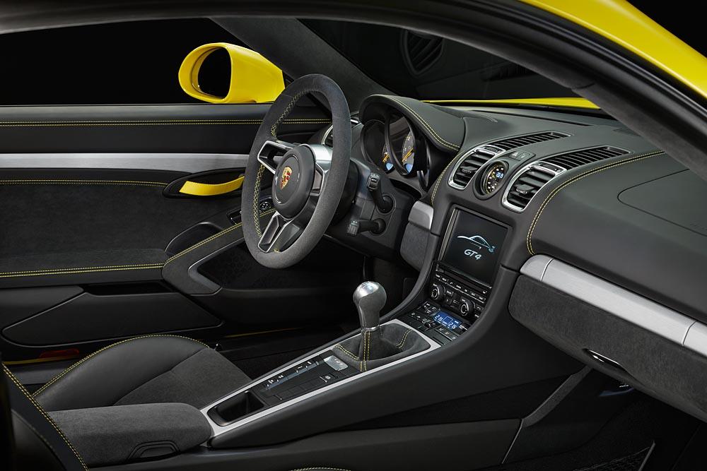 Porsche Cayman GT4 2016 interier