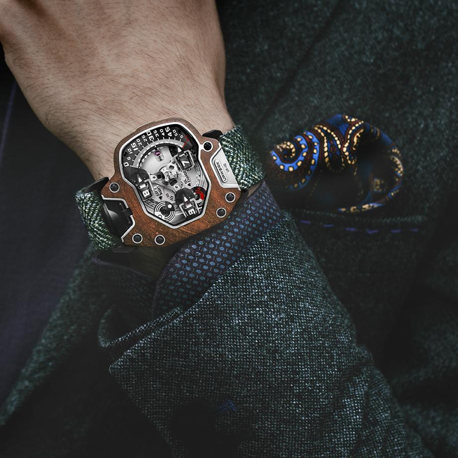 URWERK UR-110 EastWood luxusni hodinky