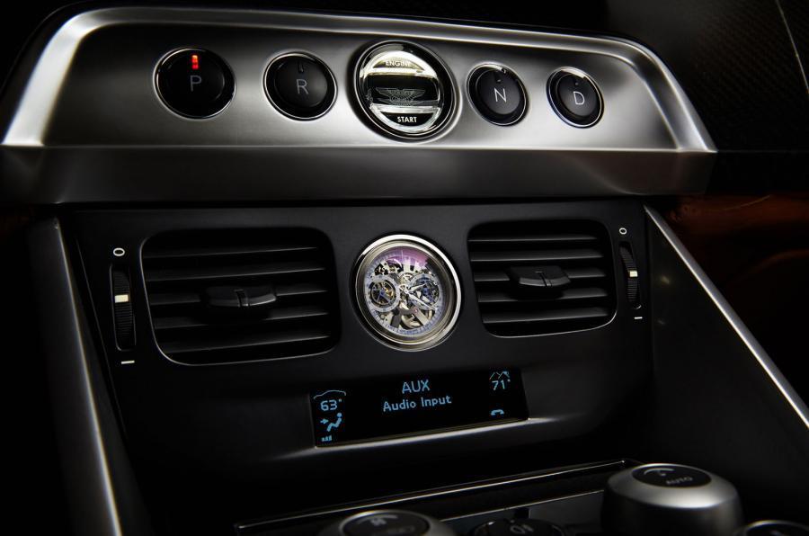 Aston Martin Vanquish - Thunderbolt Concept