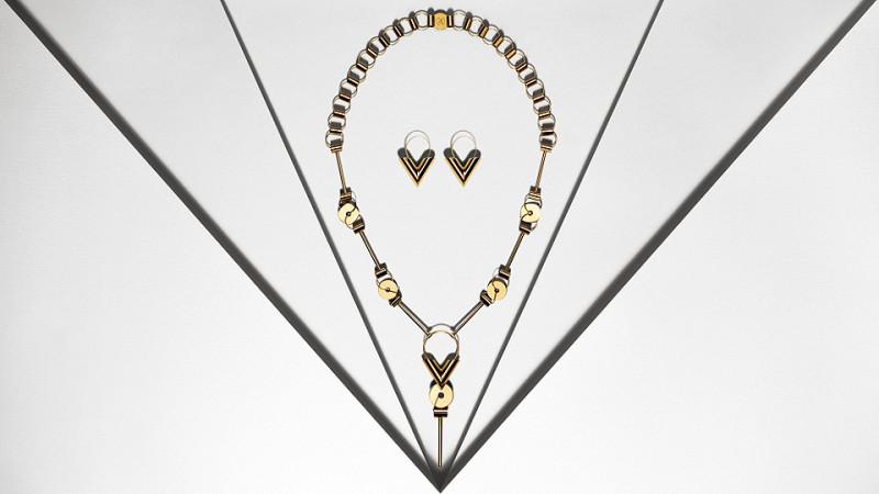 Louis Vuitton V Fashion Jewelry
