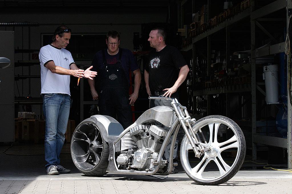 Luxusni chopper prestavba Thunderbike Precision R