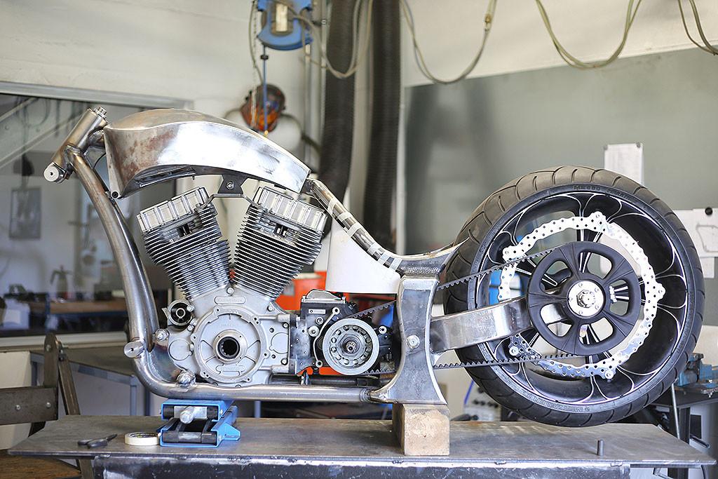 Luxusni chopper stavba Thunderbike Precision R