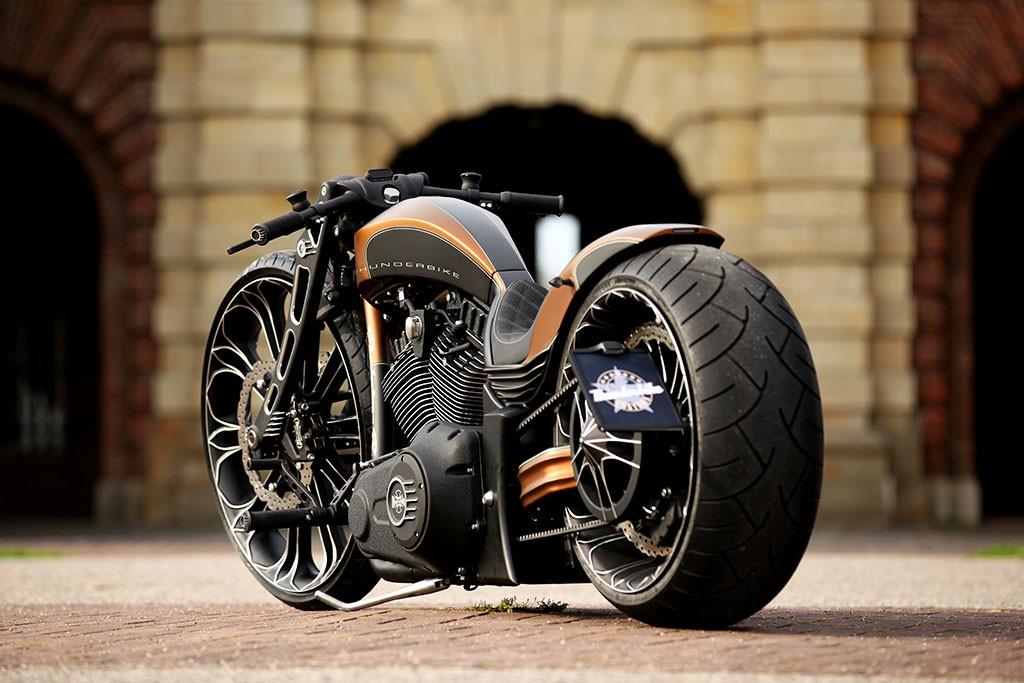 Luxusni moto Thunderbike Precision R
