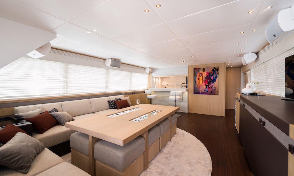 luxusni jachta Next Episode