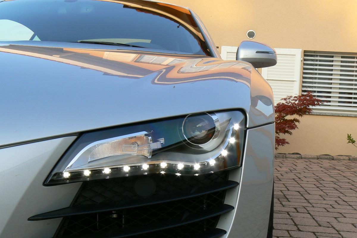 Audi-R8-svetlo