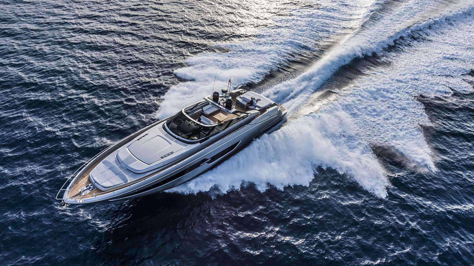 Riva 88 Florida luxusní člun