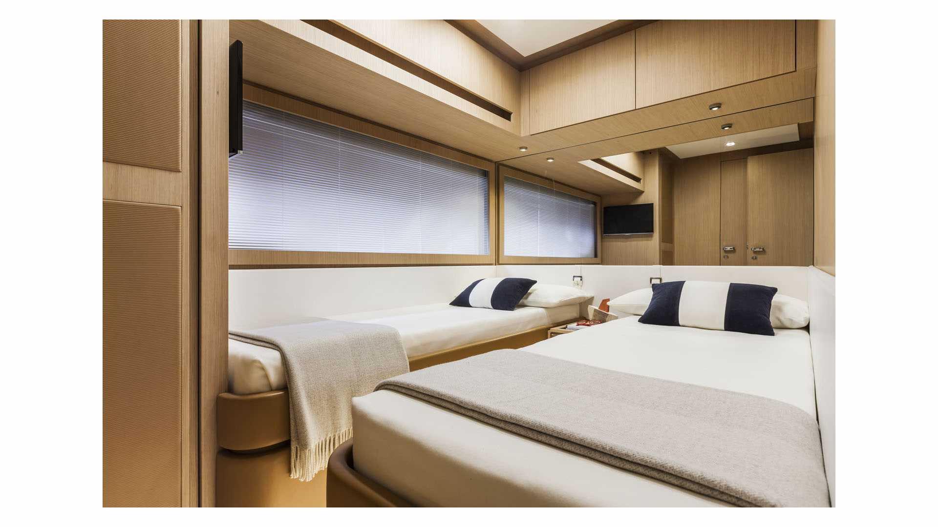 Riva 88 Florida luxusni jachta interier