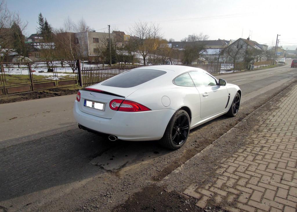 Luxusní Jaguar XK Coupe 5.0 V8