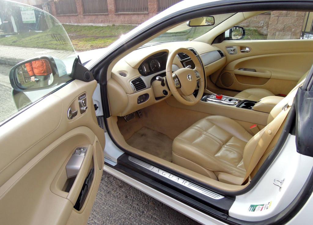Luxusní Jaguar XK Coupe 5.0 V8 na prodej
