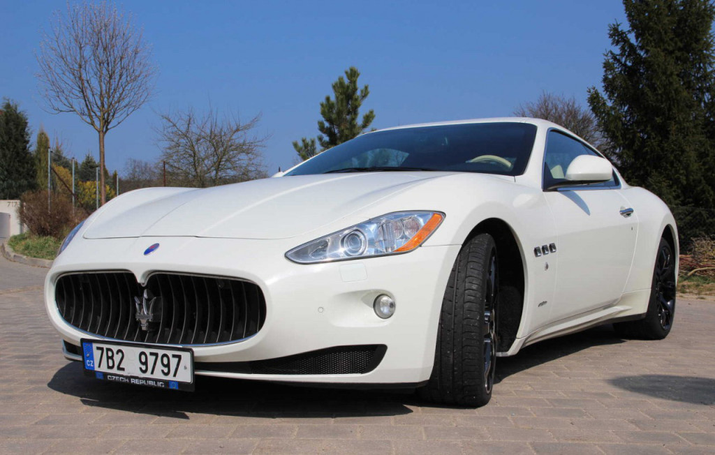 Luxusní Maserati GranTurismo S k prodeji