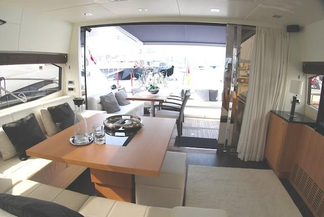 Sunseeker Predator 64 interier