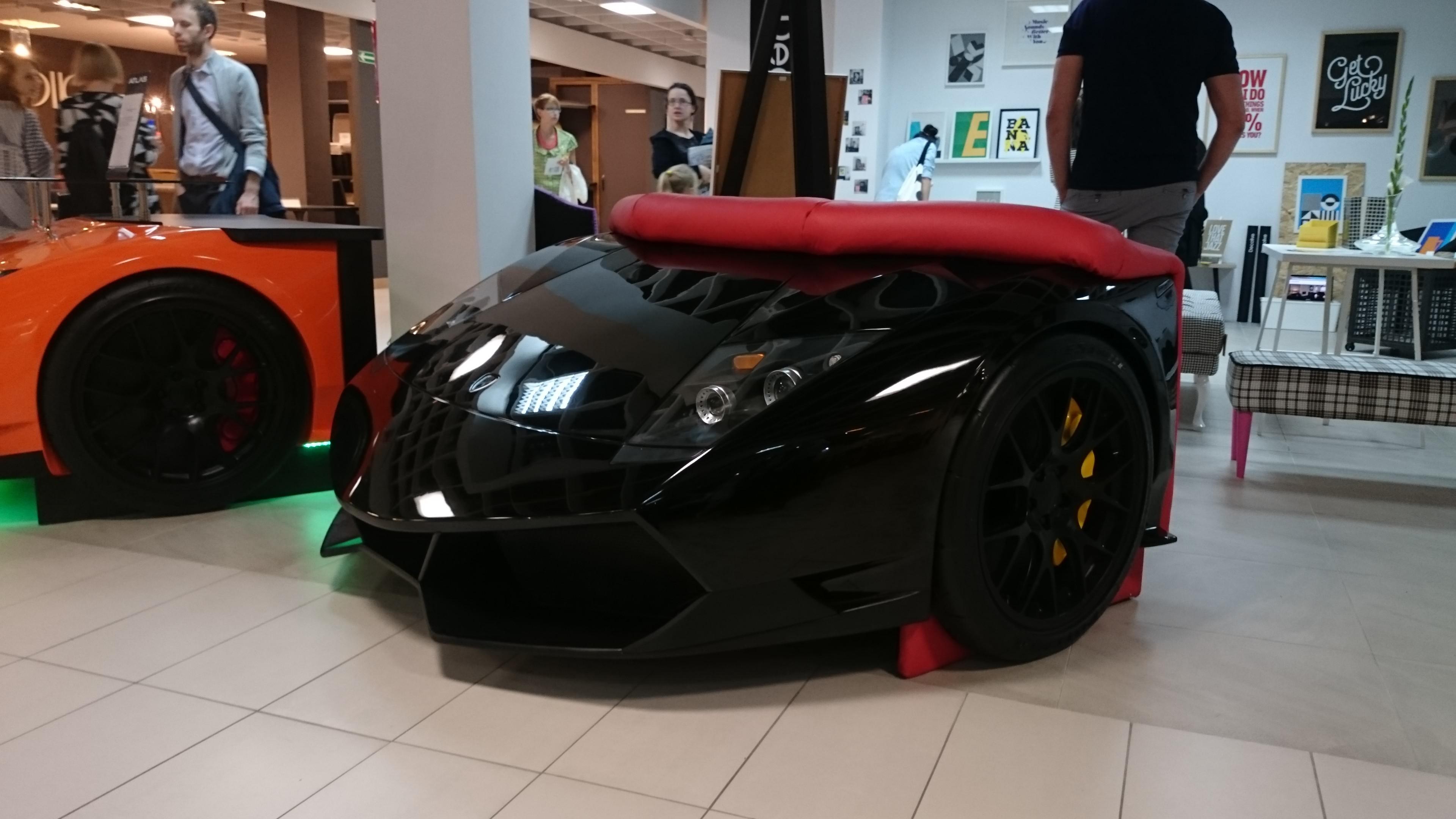 luxusní nábytek Lamborghini