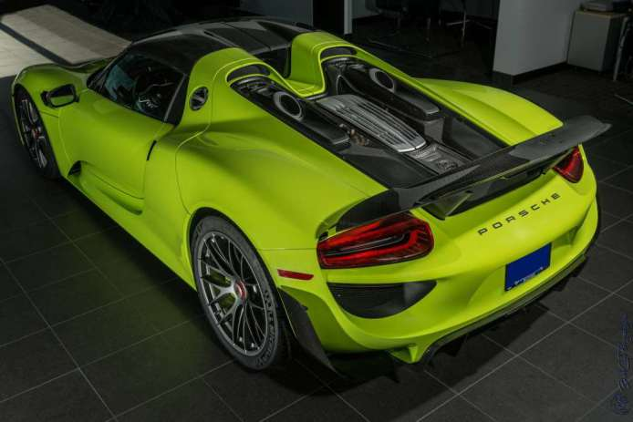 Porsche 918 Spyder - Acid Green