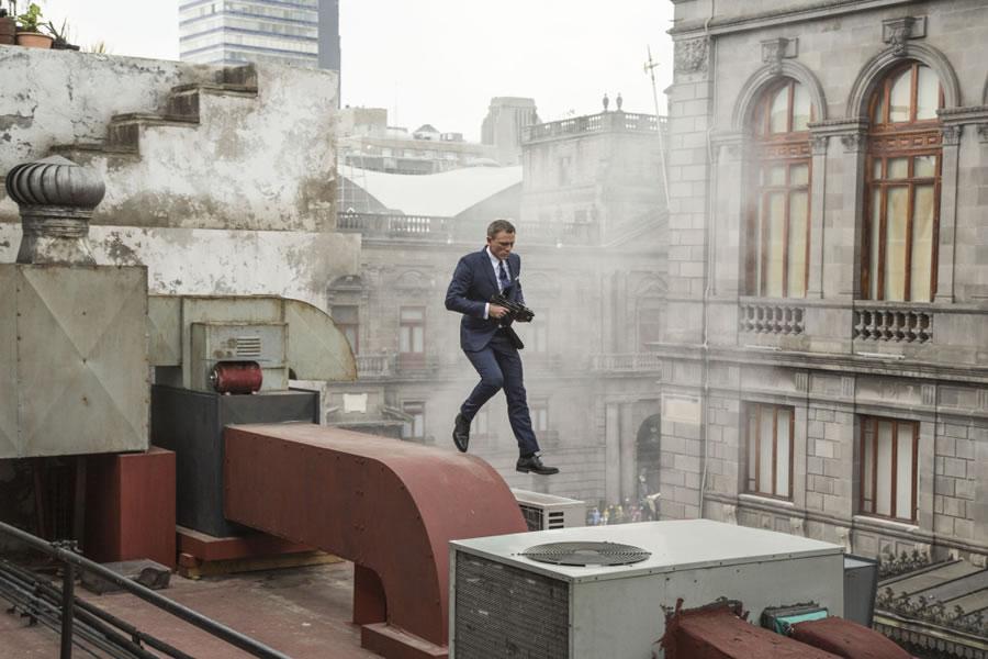 Tom Ford oblek pro Jamese Bonda