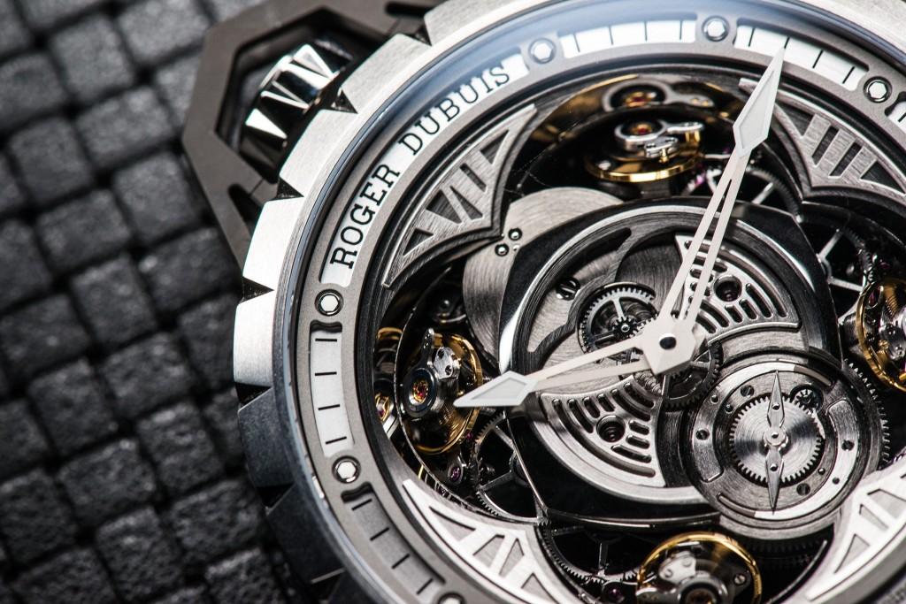 Roger-Dubuis-Excalibur-Spider-Pocket-Time-2