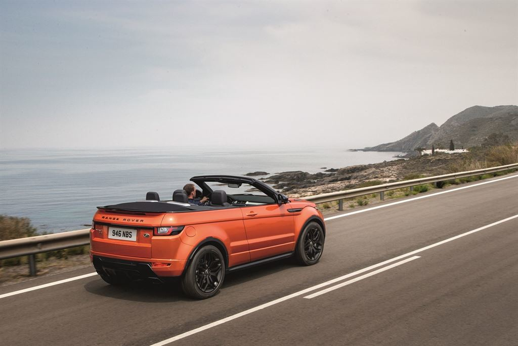 RR_EVQ_Convertible_Driving_091115_09_LowRes