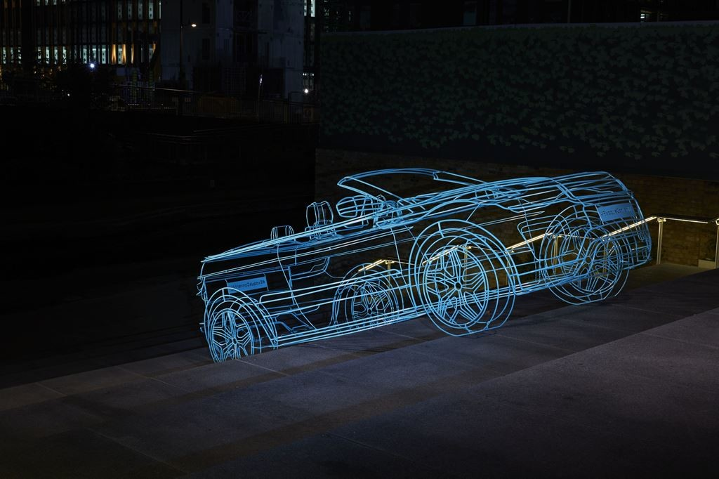 RR_EVQ_Convertible_Reveal_06_LowRes