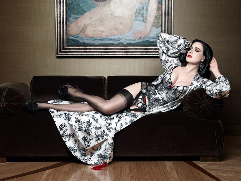 Luxusní spodní prádlo Dita von Teese - Christian Louboutin
