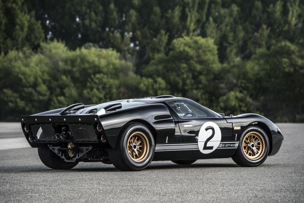 Ford GT40 50th Anniversary Edition - stylovka pro opravdové muže