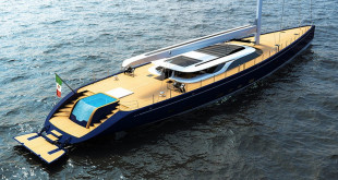 Luxusní jachta - Ferrari Franchi blue sapphire