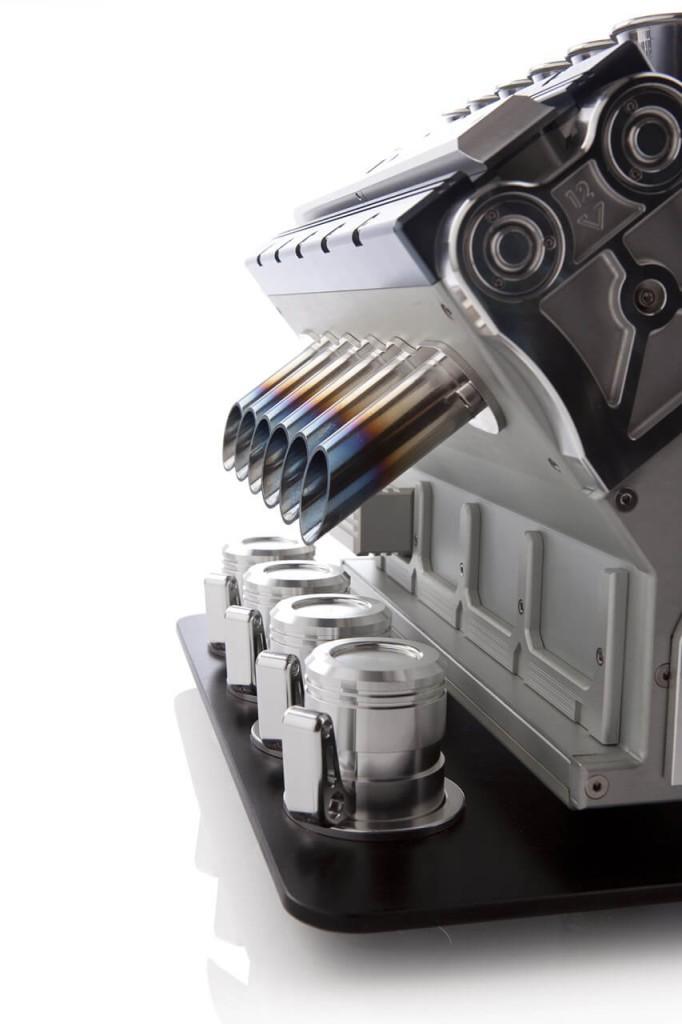 Luxusni kavovar Espresso Veloce Serie Titanio V12